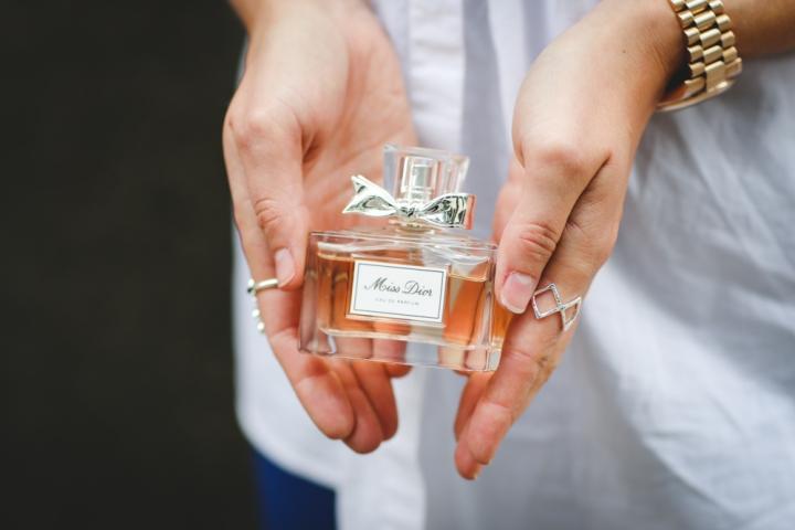 miss-dior-cherie-perfume-fashion-blogger-uk-trends-beauty-sweatshirtsanddresses-2